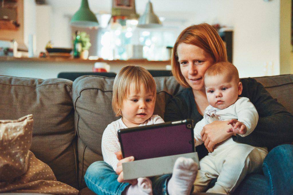 """Fachtagung """"Digitale Zukunft"""" – 10 Jahre Eltern-Medien-Beratung"""